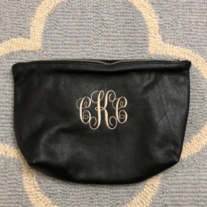 🔥Monogrammed BAGGU leather cosmetic/clutch